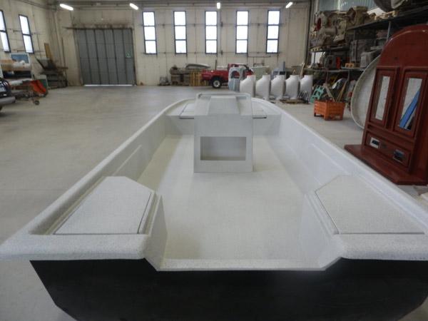 Barche-in-vetroresina-a-motore