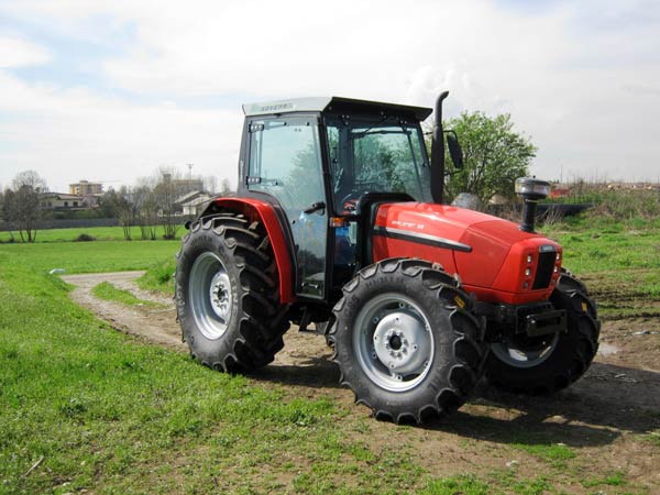 Cabine-e-cover-per-trattori-agricoli