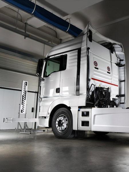 Spoiler-per-camion-e-veicoli-industriali-in-vetroresina