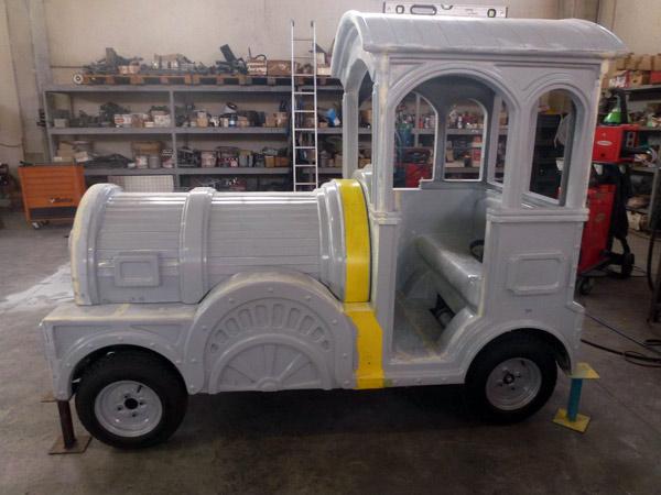 Trenino-locomotiva-e-figure-per-bambini